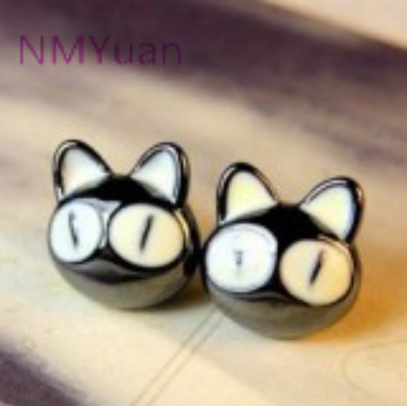 South Korean Big Eyes Beautiful Cat Earrings Jewelry Wholesale Woman Patron