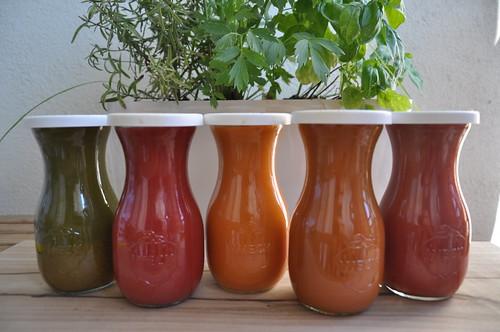 apple vegetables leaf juice fresh greens carrot juices... (Photo: masurianlake on Flickr)