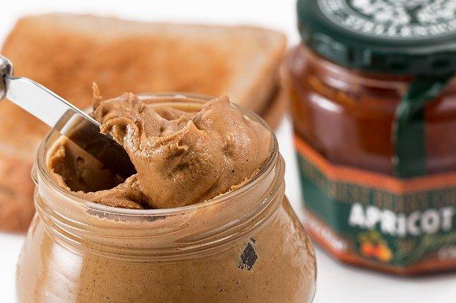 peanut butter, toast, spread